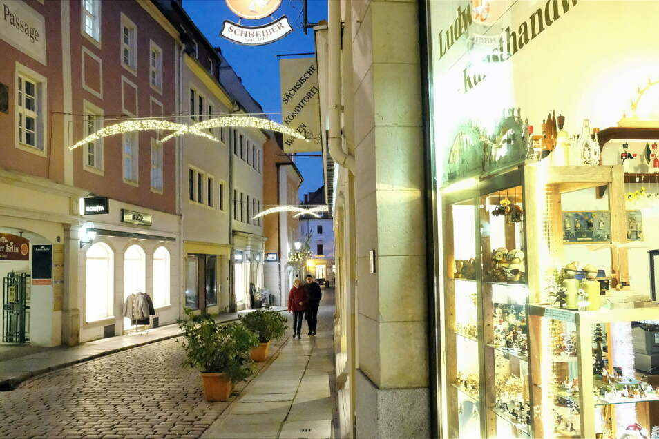 """Nahezu menschenleer zeigten sich die Geschäftsstraßen in der Meißner Altstadt während der Adventszeit. """"Wir alle können Einzelhändlern und Gastronomen helfen, die Folgen des Lockdowns zu überwinden"""", ist OB Olaf Raschke überzeugt."""