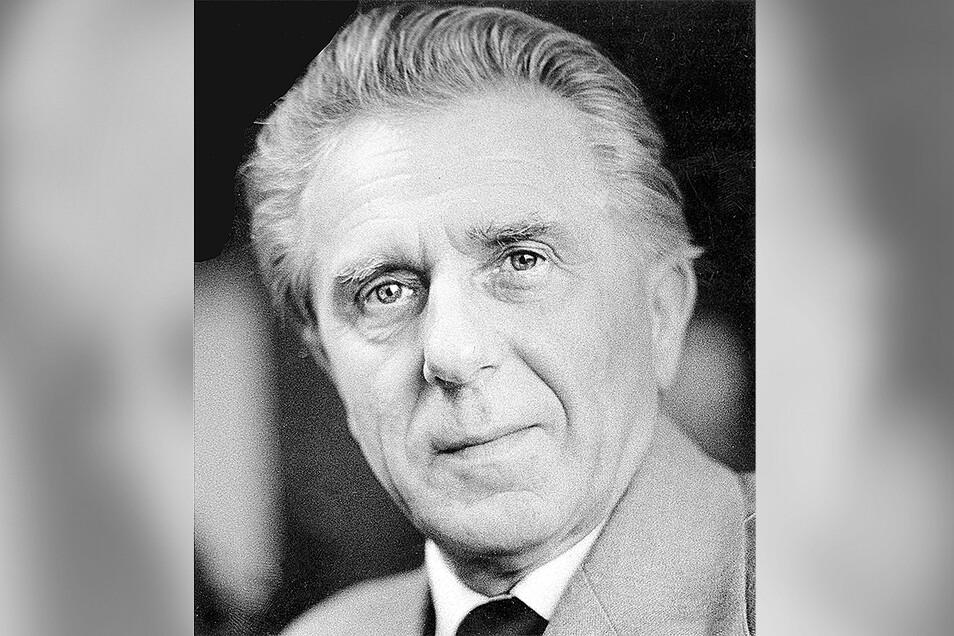 Walter Fritzsch wurde am 21. November 1920 in Planitz geboren, er starb am 15. Oktober 1997 in Dresden.
