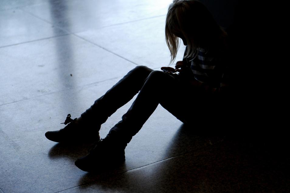 Die Jugendämter entdeckten sachsenweit 100 mehr Fälle mit Anzeichen für körperliche oder psychische Misshandlung.