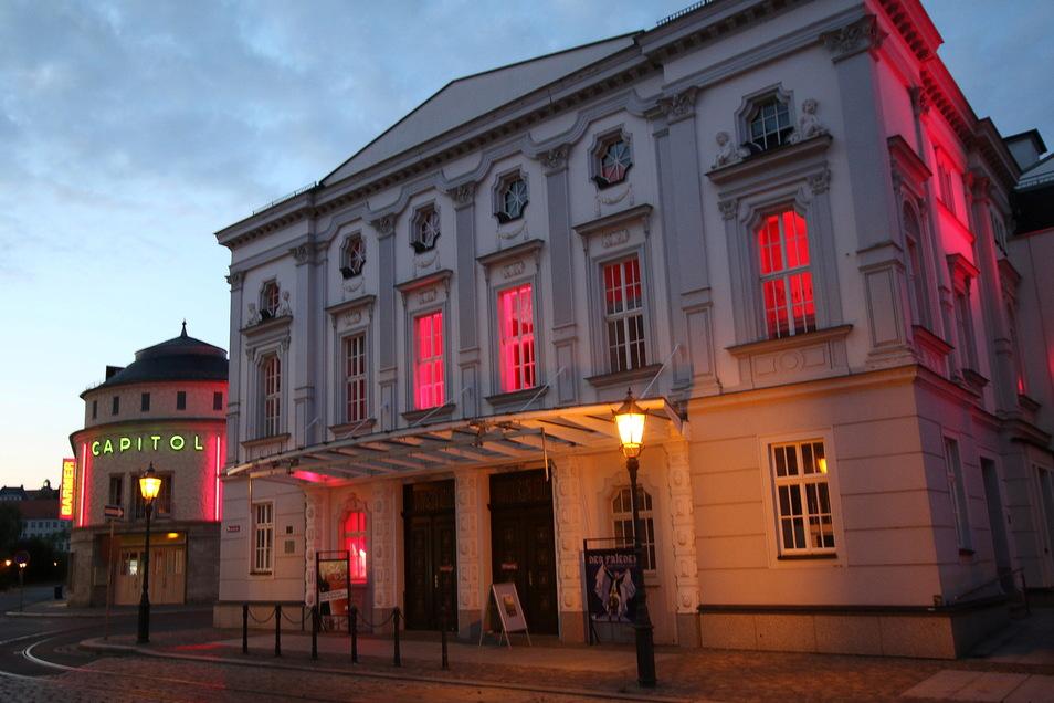 Obwohl das Theater Veranstaltungen absagt, wird in dem Haus weiter geprobt.