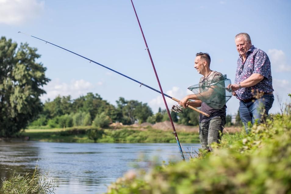 Victor Vincze und Reinhard Hörig gehören zu den Gründungsmitgliedern des Anglervereins Dresden-Centrum e. V.