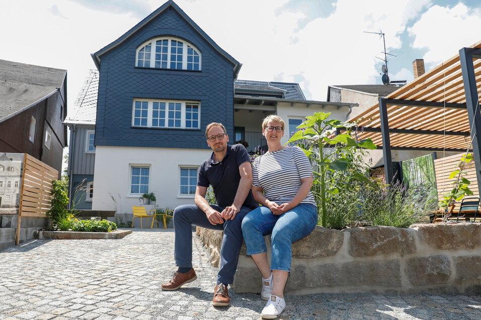 Ulrike und Ulrich Neumann haben ein traditionsreiches Umgebindehaus in Neusalza-Spremberg zu Ferienwohnungen umgebaut.