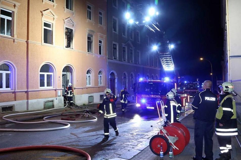 Das Feuer in der ersten Etage war schnell gelöscht, doch das Zimmer ist völlig zerstört.