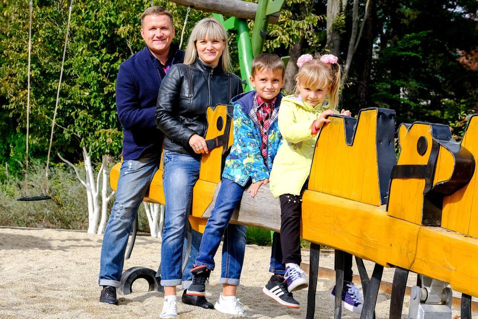 Der neueste und modernste Spielplatz von Radebeul ist im Karl-May-Hain – hier treffen sich ganze Familien, um zu spielen.