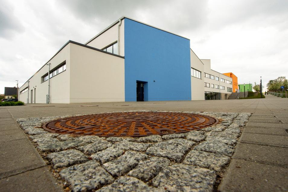 Nur einen Steinwurf von der Saubachtalhalle und der Turnhalle der Grundschule steht die Turnhalle des Gymnasiums. Vereinschef Mario Gnannt: Drei Hallen in Sichtweite. So etwas gibt es ganz selten.