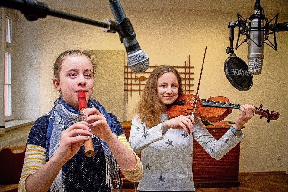 Den lebendigen Adventskalender der evangelischen Kirchgemeinde Döbeln kann es in diesem Jahr nur als Online-Version geben. Der Musikbeitrag von Theresa und Helena (rechts) wird am 4. Dezember zu hören sein.