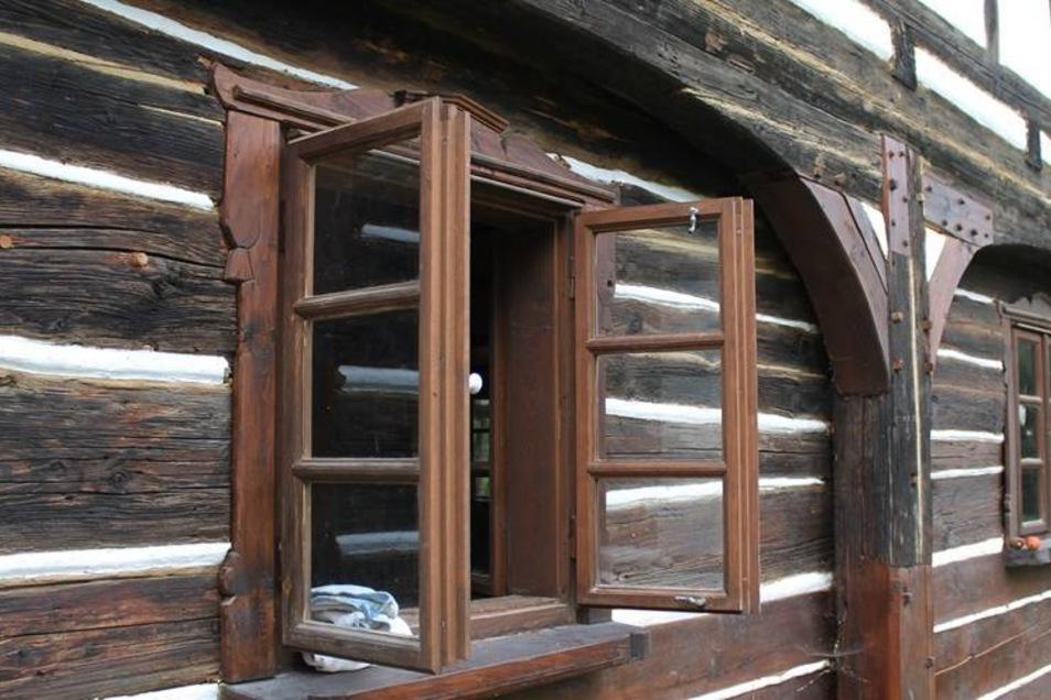 Die Bürgervereinigung Lunaria in Jindrichovice (CZ) hat ein Freilichtmuseum im Umgebinde eingerichtet.Fotos: Matthes