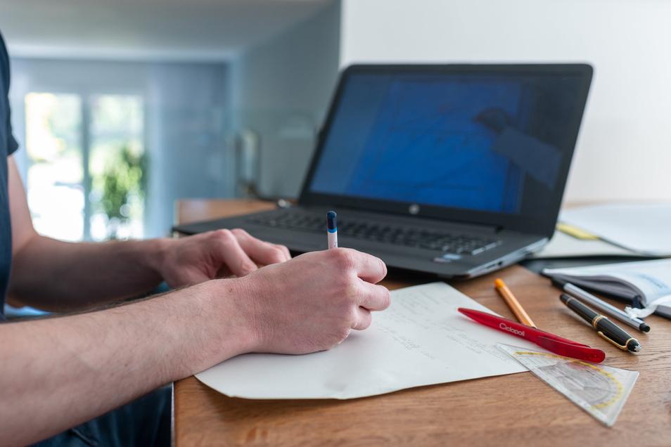 Stadträte sollen künftig die Vorbereitung für Beschlüsse am Rechner erledigen können.