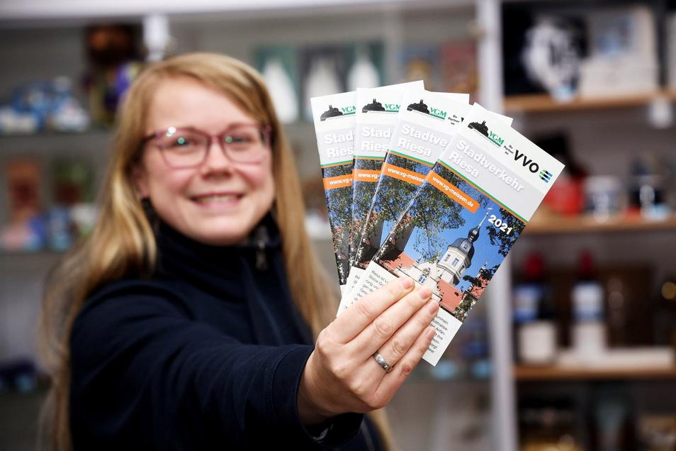 Das gab es bisher noch nicht: Diese Broschüren für den Riesaer Stadtverkehr sind nun in der Riesa-Information an der Hauptstraße erhältlich. Dort gibt es auch die passenden Fahrkarten dazu.