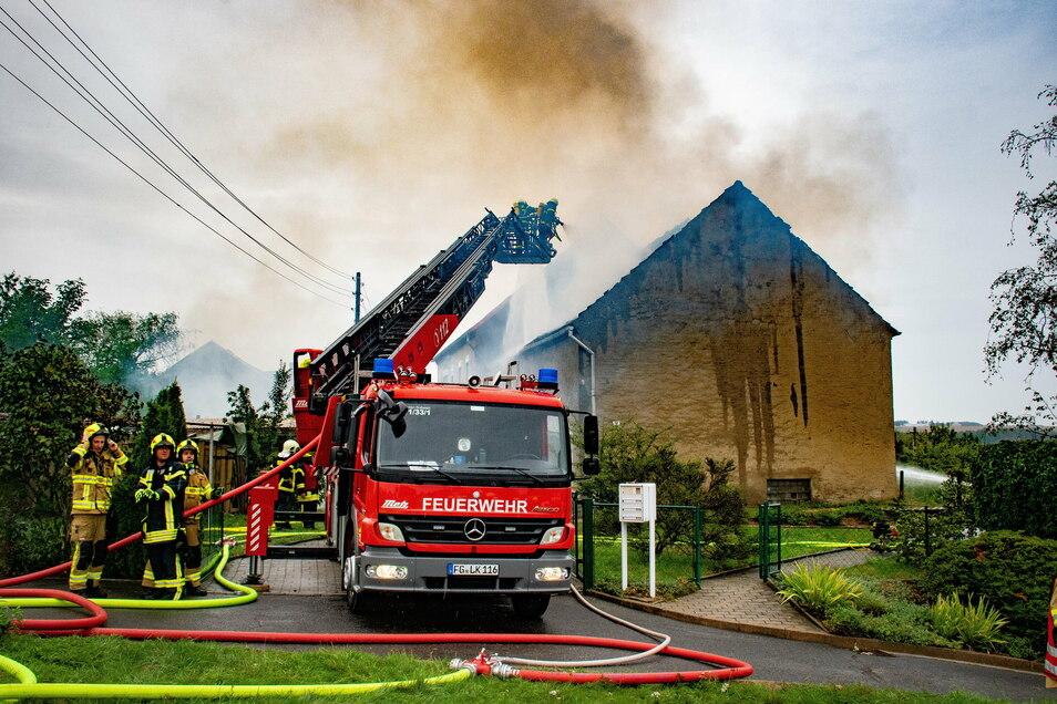 Einer der größten Einsätze der Roßweiner Feuerwehr war im zurückliegenden Jahr der Brand eines Nebengebäudes in Oberneusorge.