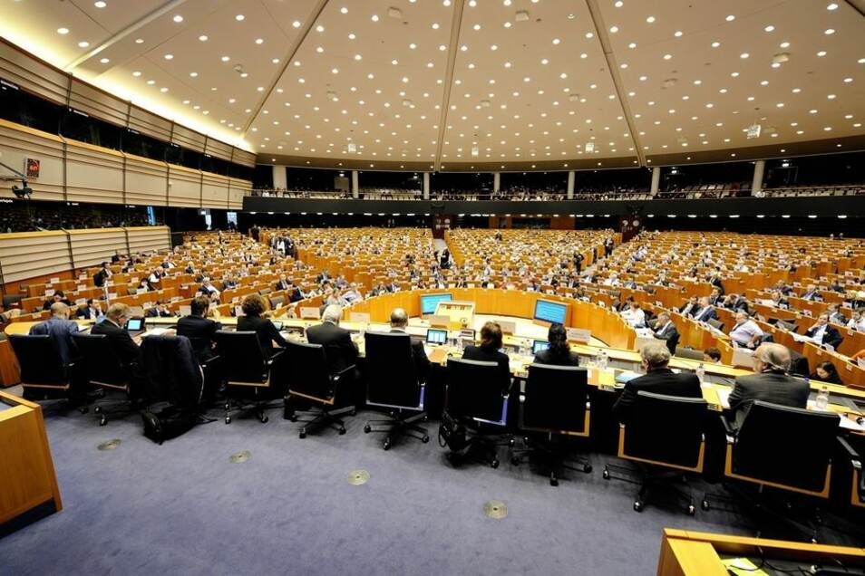 Blick in den Plenarsaal, in dem der Ausschuss der europäischen Regionen tagt.