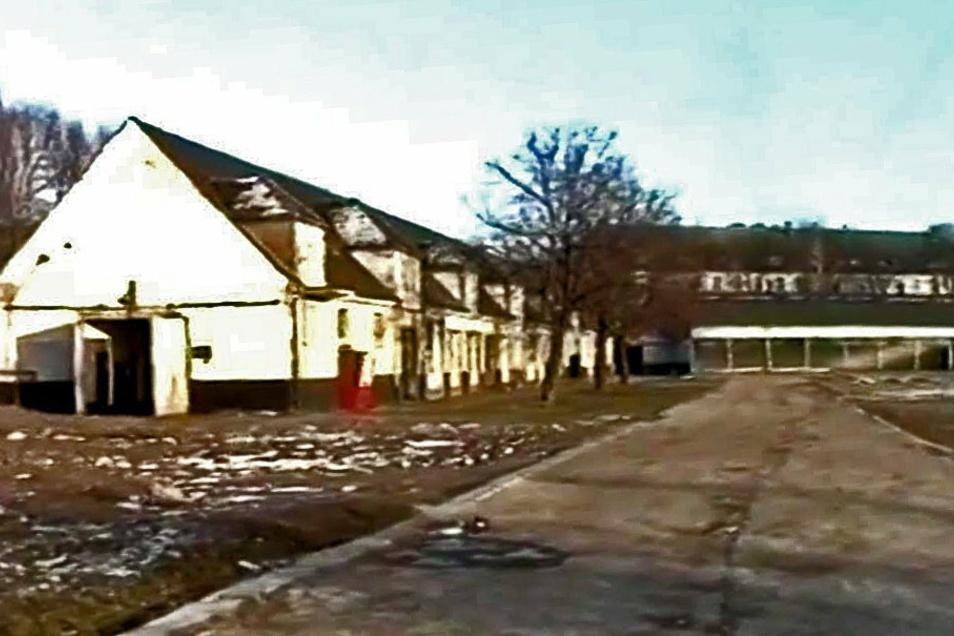 Diese Aufnahme vom ehemaligen Reitstall, der zum Garnisonsstandort Leisnig gehört hat, zeigt das Gebäude vor mehreren Jahrzehnten.