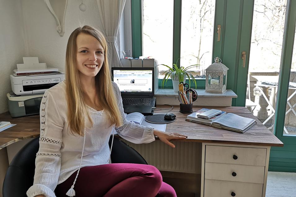 Carola Iffland ist Lehrerin am Dresdner Romain-Rolland-Gymnasium. Von Zuhause aus muss sie jetzt den Schultag von über 100 Schülern ganz neu gestalten.
