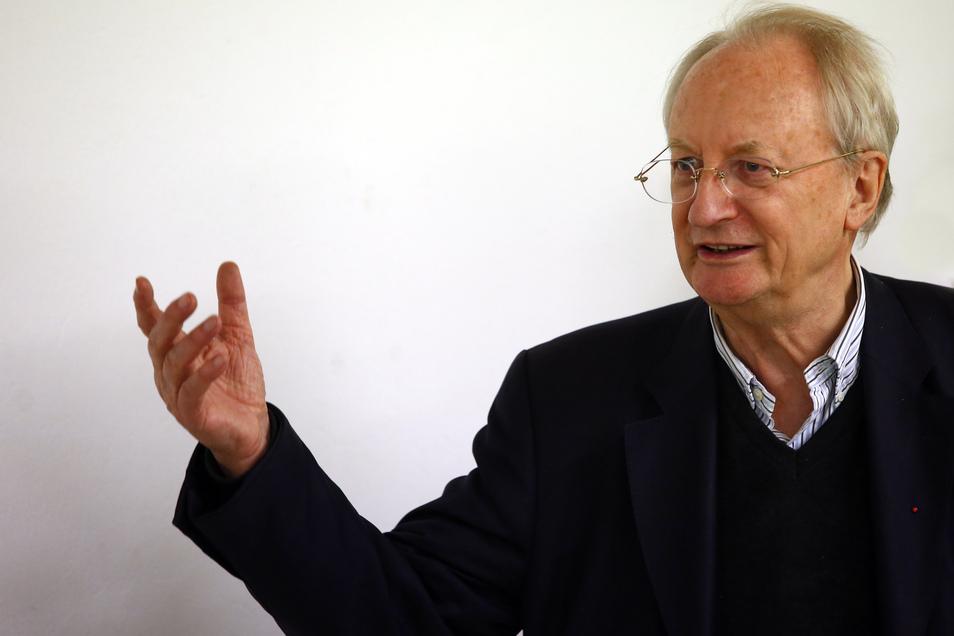 Klaus Staeck besuchte am Freitag in seiner Geburtsstadt Pulsnitz die Ostsächsische Kunsthalle.