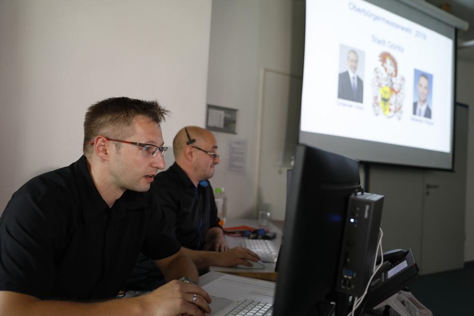 So sieht es jetzt in der Görlitzer Jägerkaserne aus. In diesen Computer fließen die Ergebnisse aus den Wahllokalen.