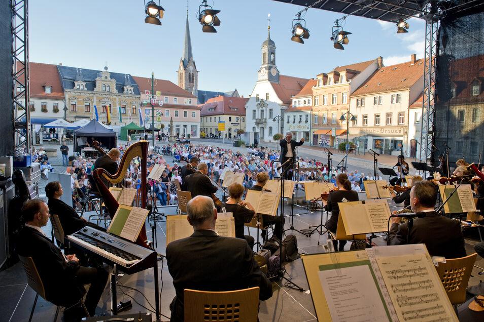 Diesen Blick auf den Marktplatz hatten die Musiker der Elbland Philharmonie.