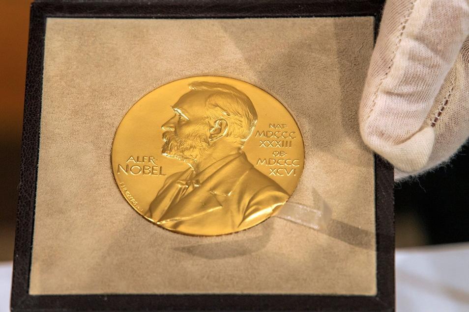 Die Nobelpreises werden als goldene Medaille vergeben.