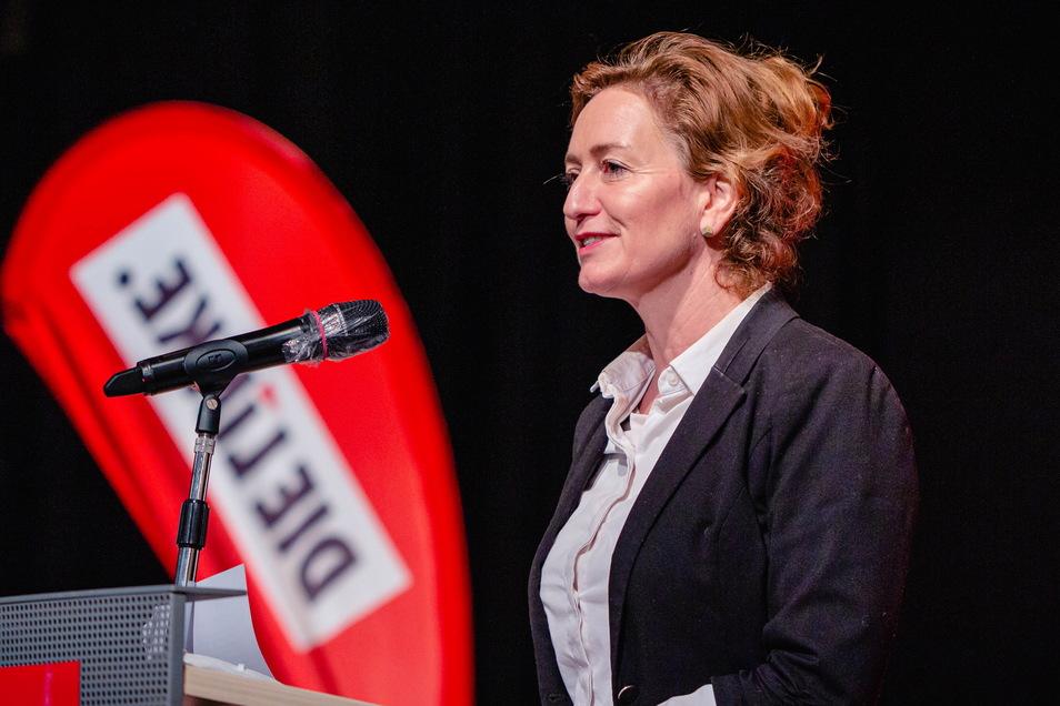 Caren Lay wurde als Direktkandidatin der Linken für den Wahlkreis Bautzen 1 nominiert - hier bei ihrer Rede am Sonnabend bei der Wahlkreisversammlung in Cunewalde.