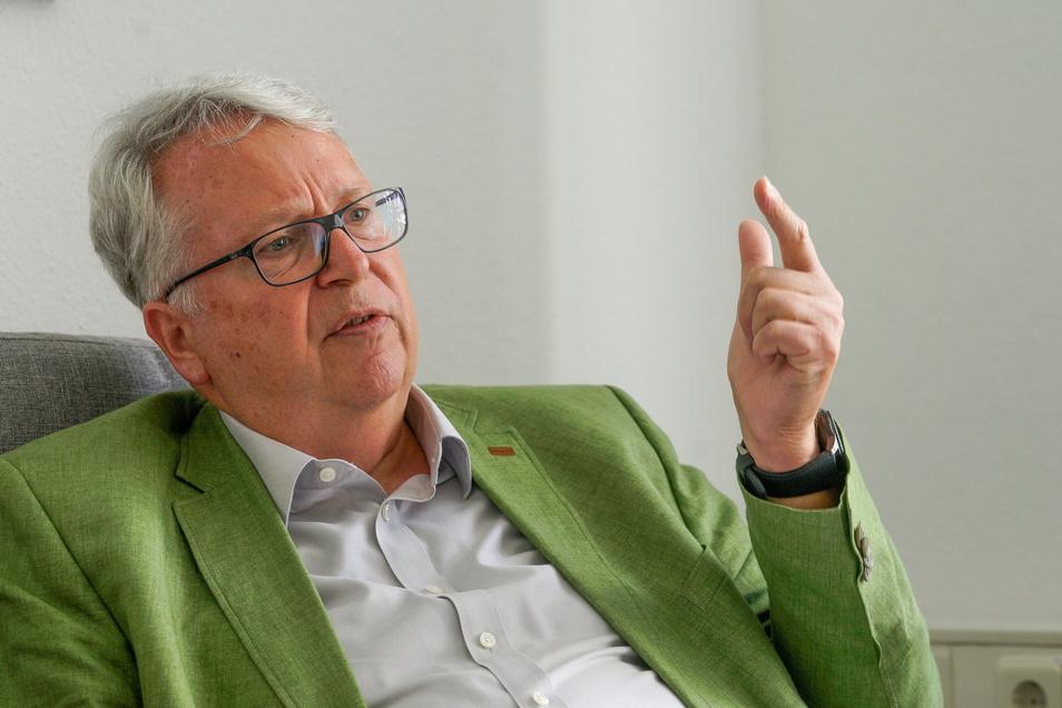 Geert Mackenroth, Ausländerbeauftragter der Landesregierung.