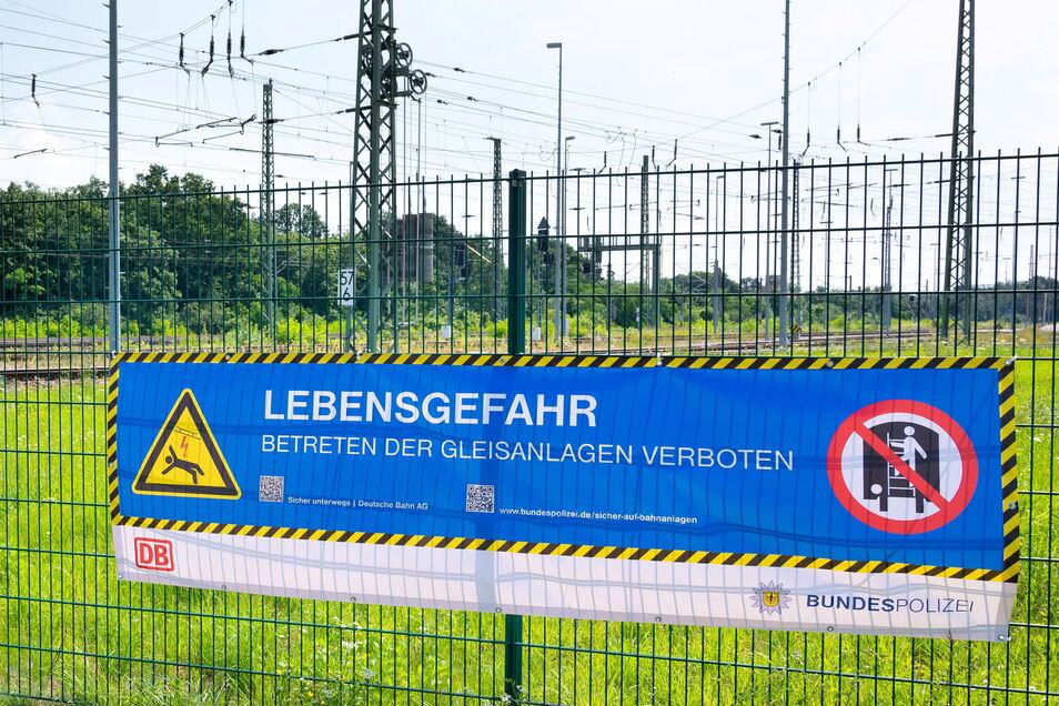 Bundespolizei und Deutsche Bahn starten eine gemeinsame Kampagne gegen die tödlichen Gefahren im Bahnverkehr. Die nehmen zu viele Menschen nicht ernst genug.