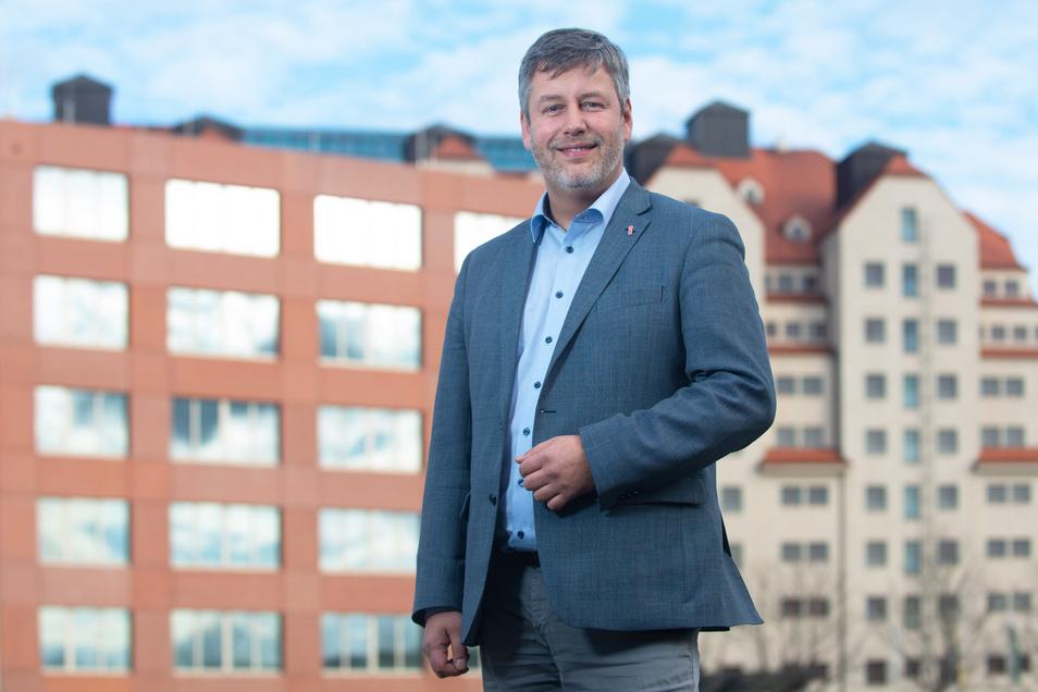 Jeder sollte genau überlegen, an wessen Seite er gegen die Corona-Regeln demonstriere, sagte der sächsische SPD-Innenpolitiker Albrecht Pallas am Sonntag.