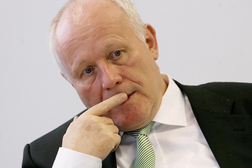 Georg Milbradt steuerte 2002, kurz nach seinem Antritt als Ministerpräsident, den Wiederaufbau nach der Flutkatastrophe.