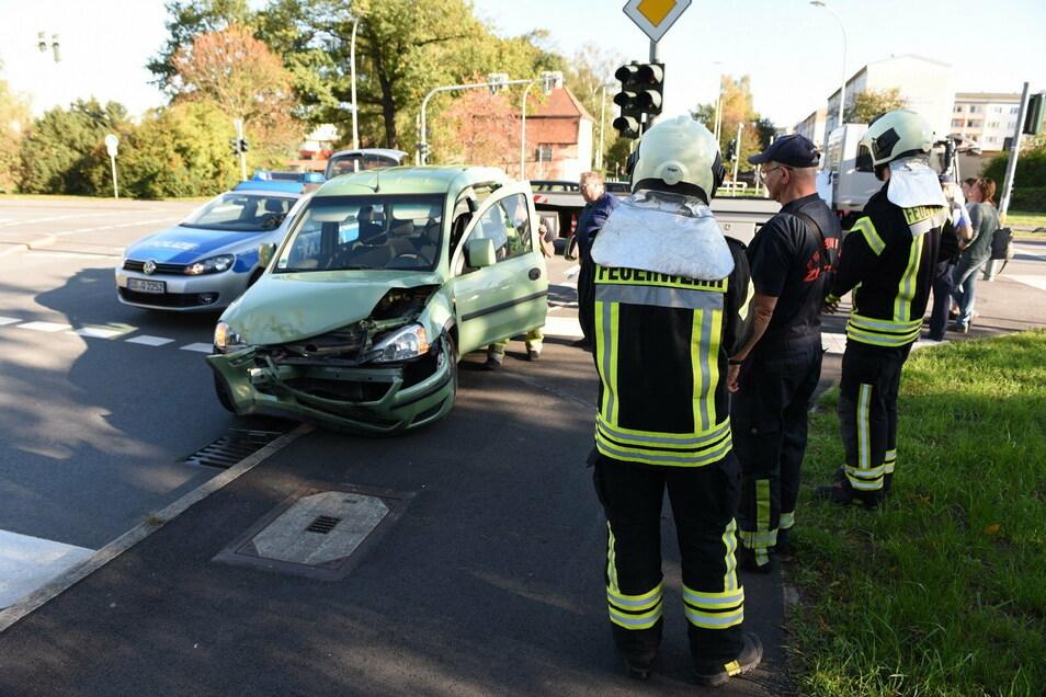 Einer der Unfälle auf der Kreuzung Schramm-/Hochwaldstraße passierte Mitte Oktober 2019.