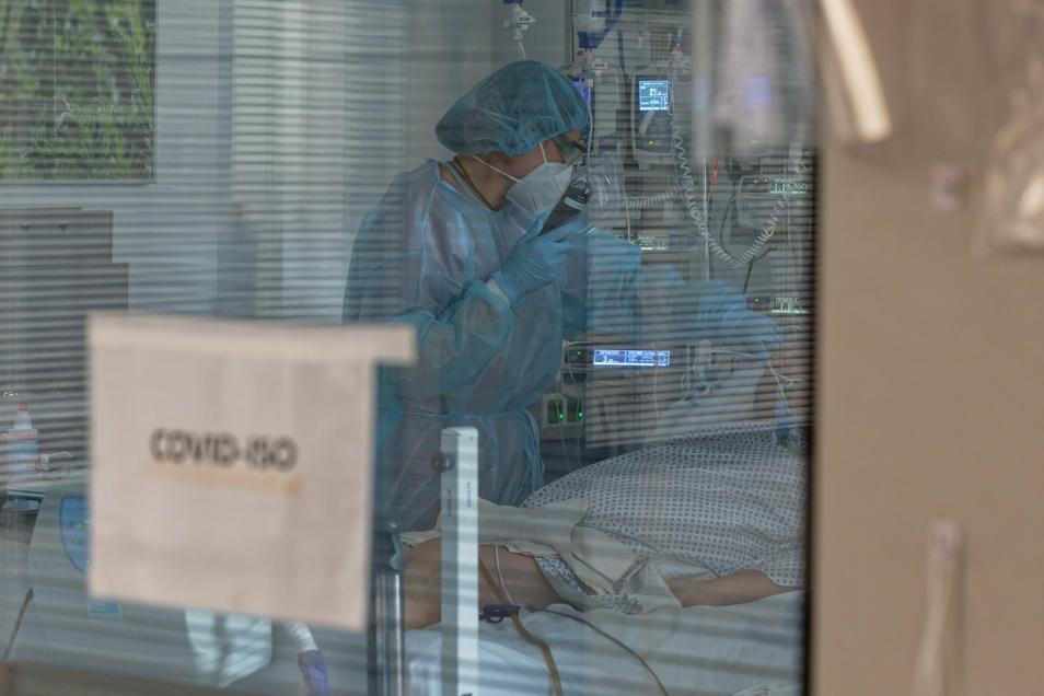 17 an Corona Erkrankte im Landkreis werden derzeit auf der Intensivstation behandelt.