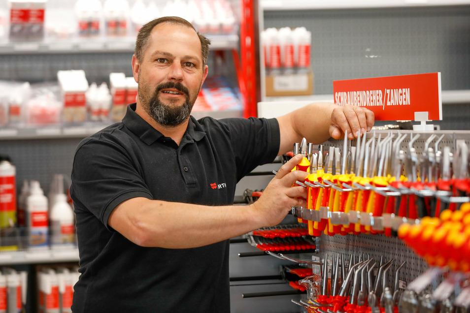 Norman Zwahr ist einer der beiden Mitarbeiter der neuen Würth-Filiale in Zittau.