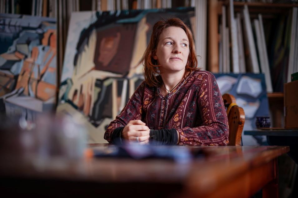 """""""Ich erarbeite mir meine Motive laufend."""" Anne Kern aus Wehlen gehört zu den neuen Malern und Malerinnen am Malerweg."""