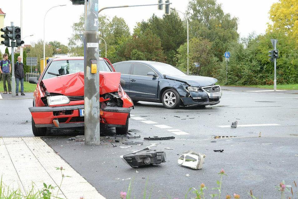 25.9.2020: Unfall auf der Problemkreuzung Hochwald-/Schrammstraße in Zittau.