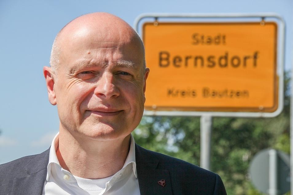 Harry Habel (60) ist seit 2005 Bürgermeister der Stadt Bernsdorf. Im vergangenen Jahr wurde er für weitere sieben Jahre gewählt.