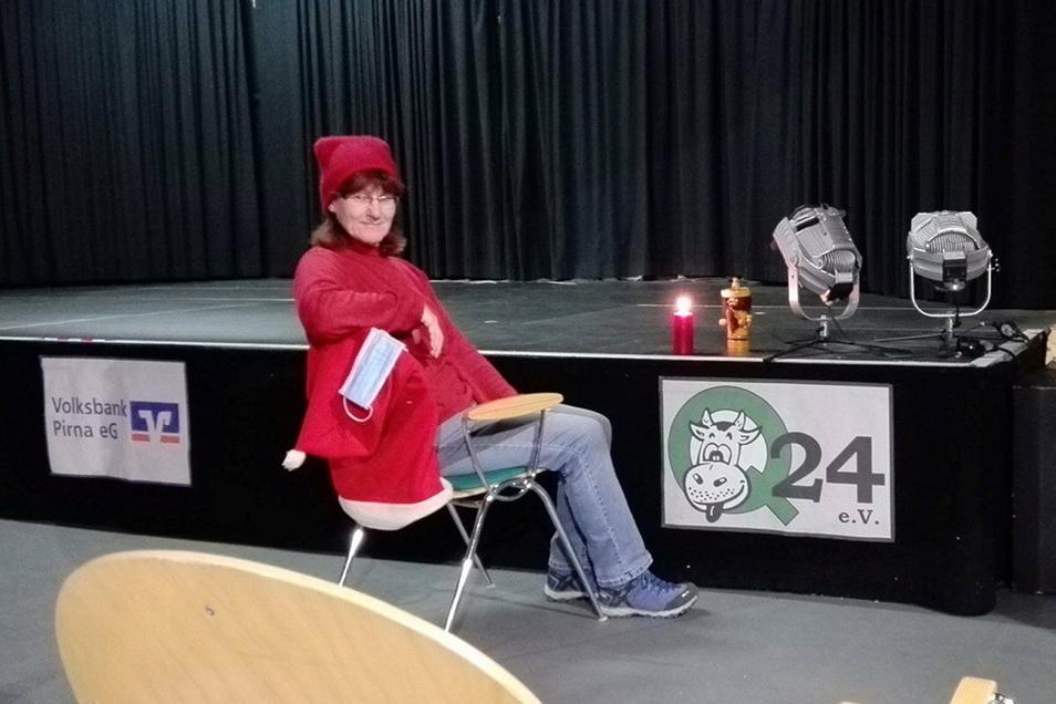Petra Schneider vom Verein Pirnaer Kleinkunstbühne Q24 muss noch auf den Veranstaltungsauftakt warten.