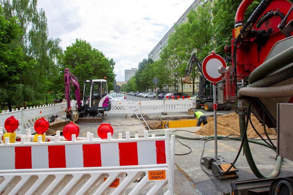 Engpass an der Remscheider Straße: Pirna muss einen unterspülten Abschnitt der Trasse sanieren.
