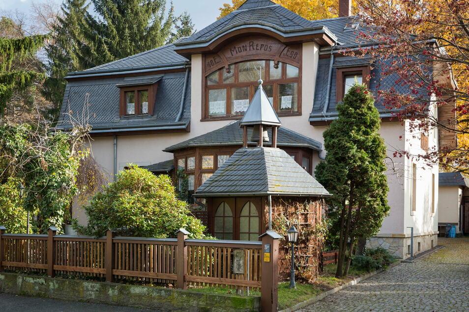 Sein Geburtshaus in Kleinzschachwitz erwarb er 1993, musste es aber 2011 wieder verkaufen.
