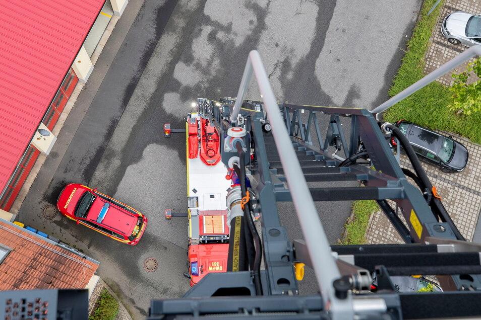 So sieht es aus, wenn man aus dem hochgefahrenen Korb nach unten schaut.