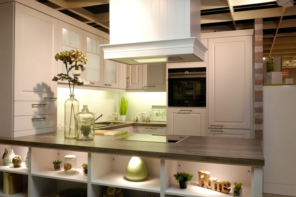 Die Küche lädt zum gemeinsamen Kochen und Leben ein.
