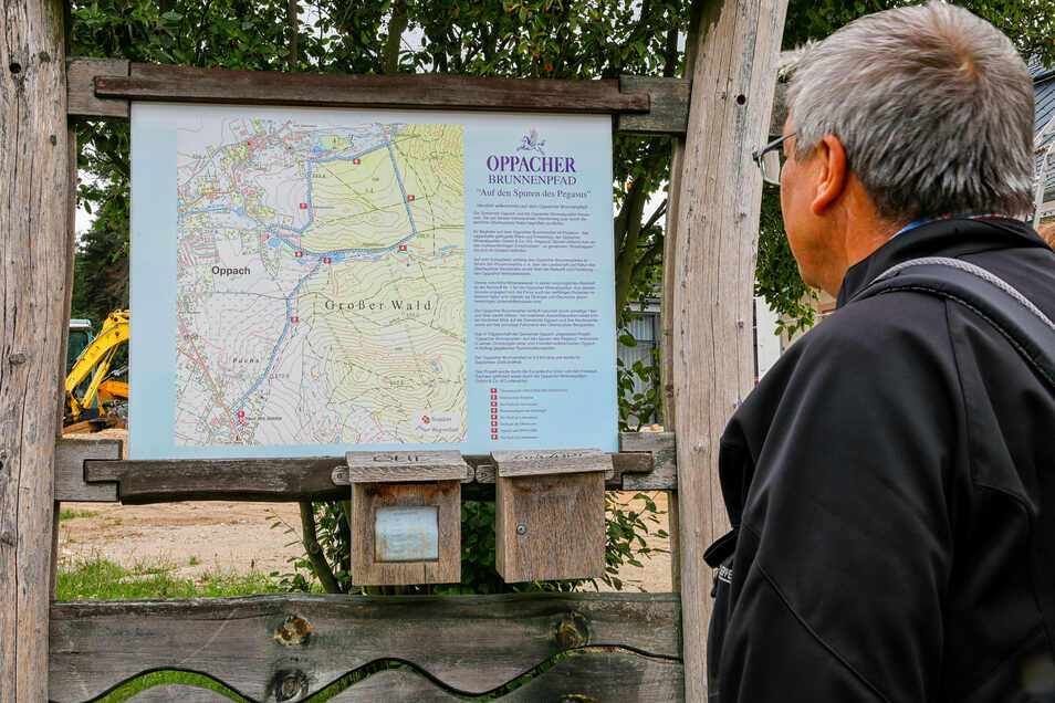 Unter anderem die Infotafeln für den Oppacher Brunnenpfad werden erneuert.