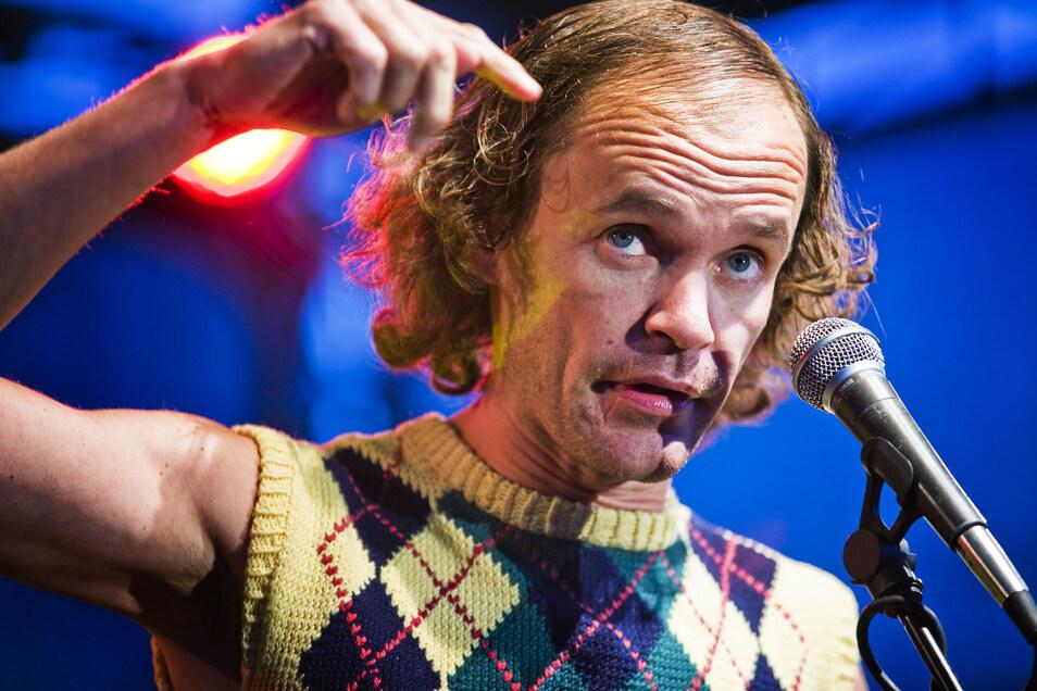 Er ist längst deutschlandweit bekannt: Kabarettist Olaf Schubert kommt im nächsten Jahr in die Blaue Kugel nach Cunewalde. Und das Veranstaltungshaus hat noch weit mehr zu bieten.