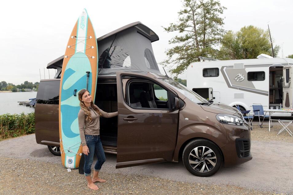 Auch kleinere Vans und Lieferwagen werden von Spezialanbietern oftmals modulartig ausgebaut und zuweilen Minicamper genannt.