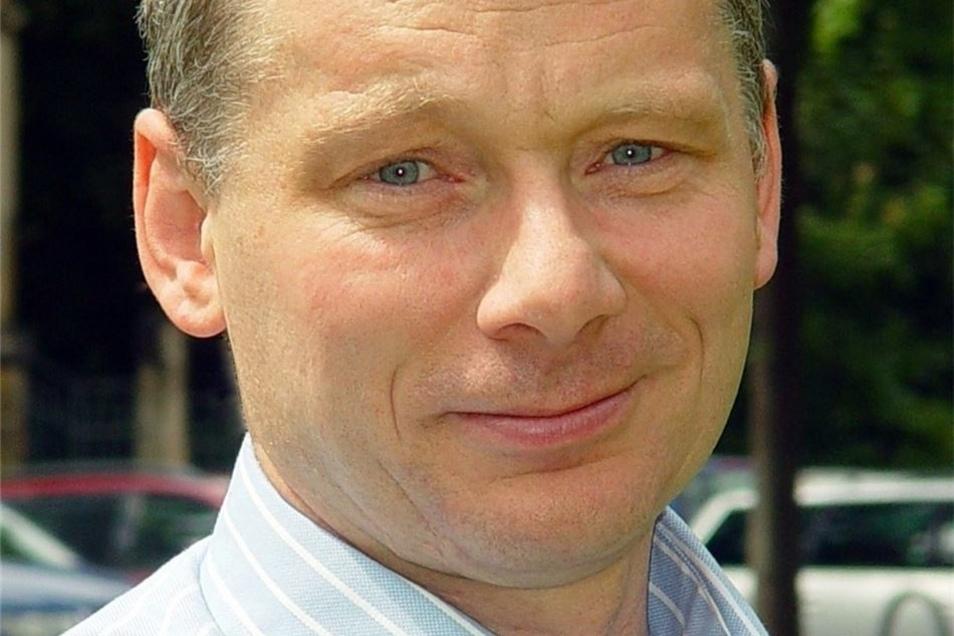 Udo Becker ist Professor für Verkehrsökologie an der Technischen Universität Dresden. Er ist 60 Jahre alt.