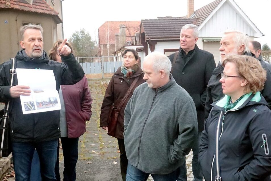 Mehrere Bürgerwerkstätten gab es in Knappenrode seit 2016. Kürzlich wurden die Ergebnisse vorgestellt. Danach folgte ein Rundgang durch den Ort und durch die Energiefabrik.