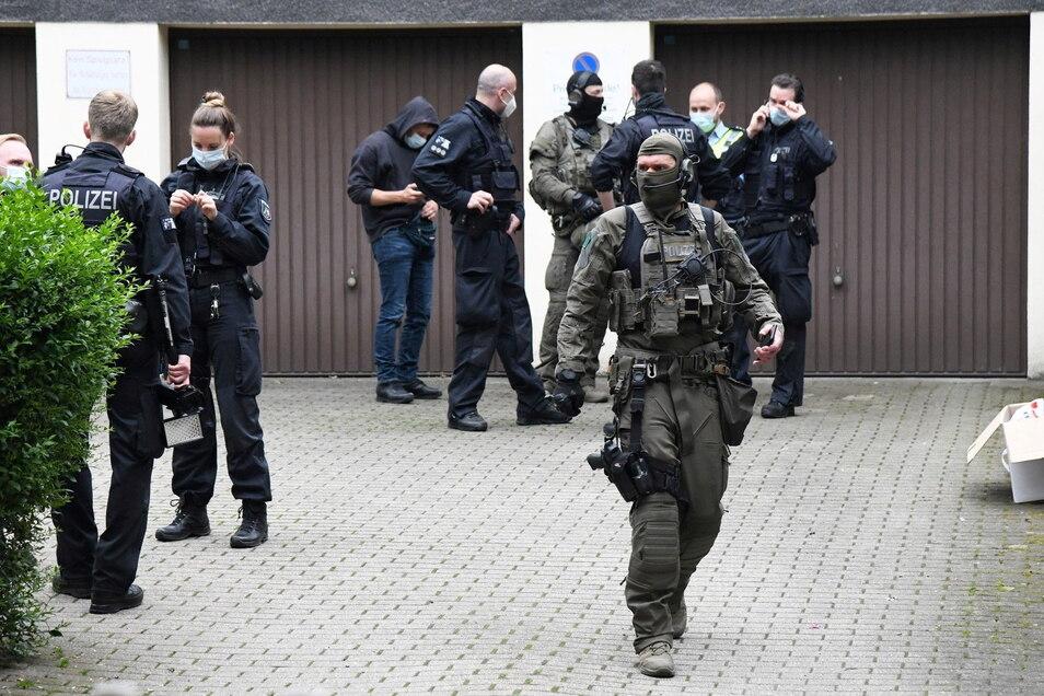 Internationale Ermittler haben nach Angaben von Europol bei einem Einsatz gegen das Organisierte Verbrechen mehr als 800 Verdächtige in über 100 Ländern festgenommen.