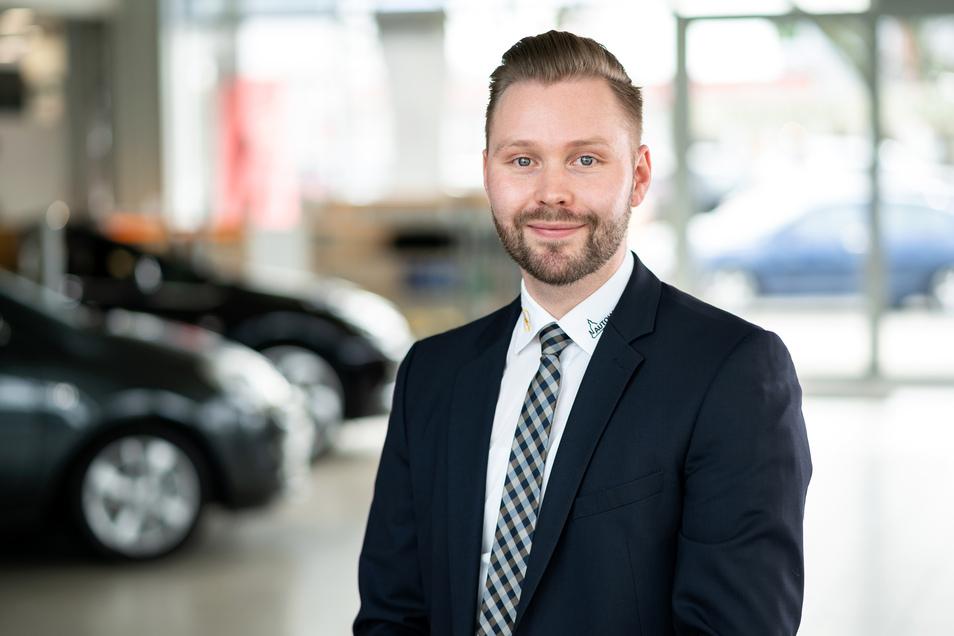 Verkaufsleiter Manuel Schreiter verspricht seinen Kunden bestmögliche Beratung.