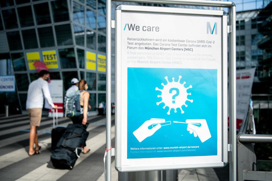Getestet wird am Airport München - doch auf die Ergebnisse müssen manche Reisende lange warten.