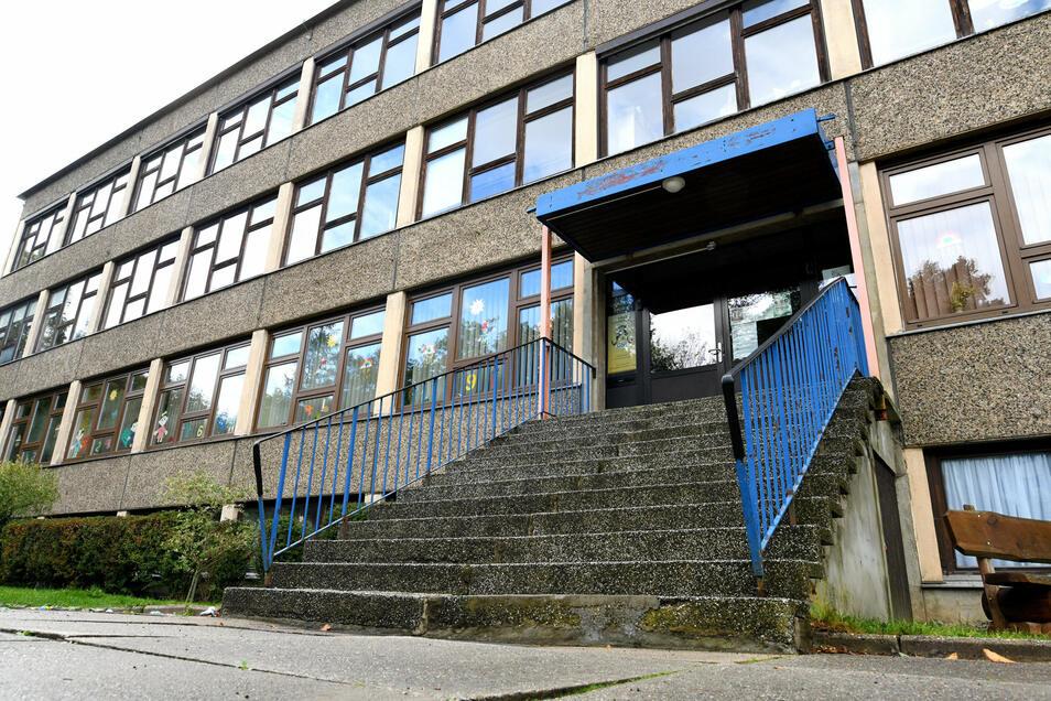 Die Jonsdorfer Grundschule soll komplett saniert werden. Das ist das nächste große Projekt, das die Gemeinde trotz klammer Kassen angehen will.