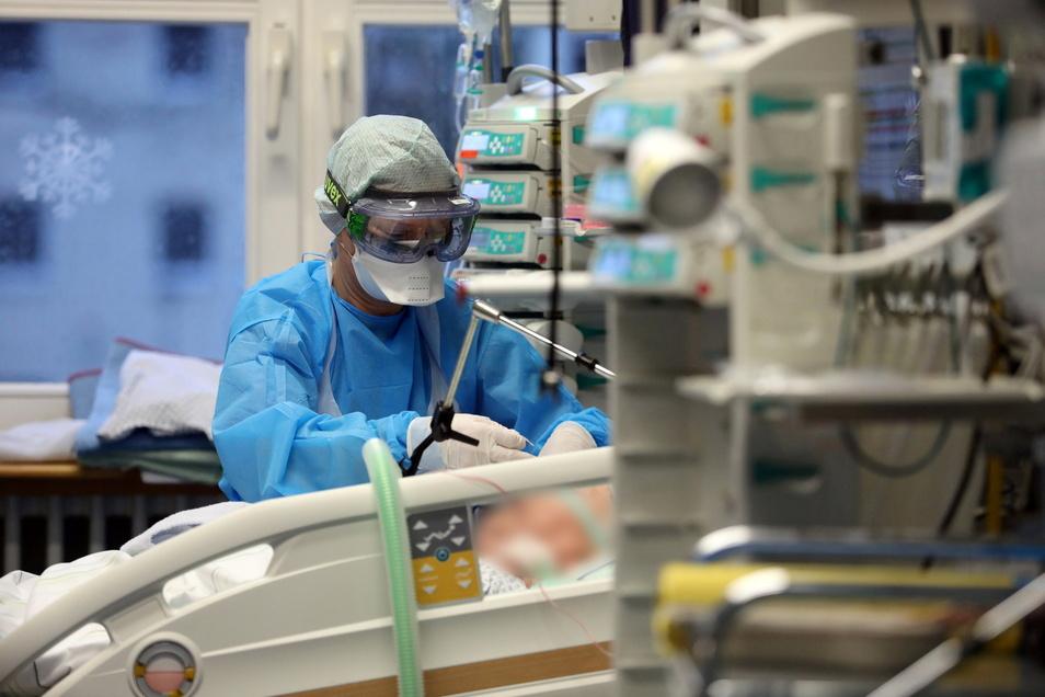 Gegenwärtig werden 65 mit dem Coronavirus infizierte Bewohner des Landkreises Meißen im Krankenhaus behandelt, sieben von ihnen auf der Intensivstation. Symbolfoto