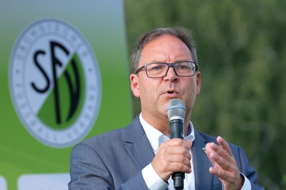 Sieht in dem Konzept vor allem Diskussionsbedarf: Hermann Winkler, Präsident des des Sächsischen Fußball-Verbandes.