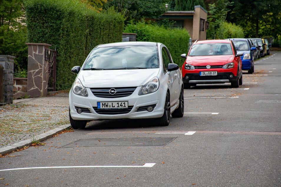 In einer Roßweiner Straße wird es künftig einen Parkplatz weniger und eine Grundstückseinfahrt mehr geben.