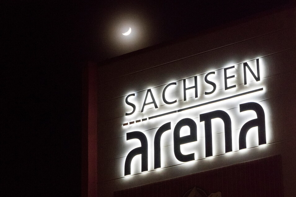 6.500 Plätze bietet die Sachsen-Arena in Riesa, laut Semmel Concerts wurden für Roland Kaiser am 17. September um die 5.000 Tickets verkauft.